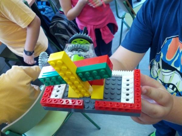 Construcciones robóticas de unos alumnos muy creativos!
