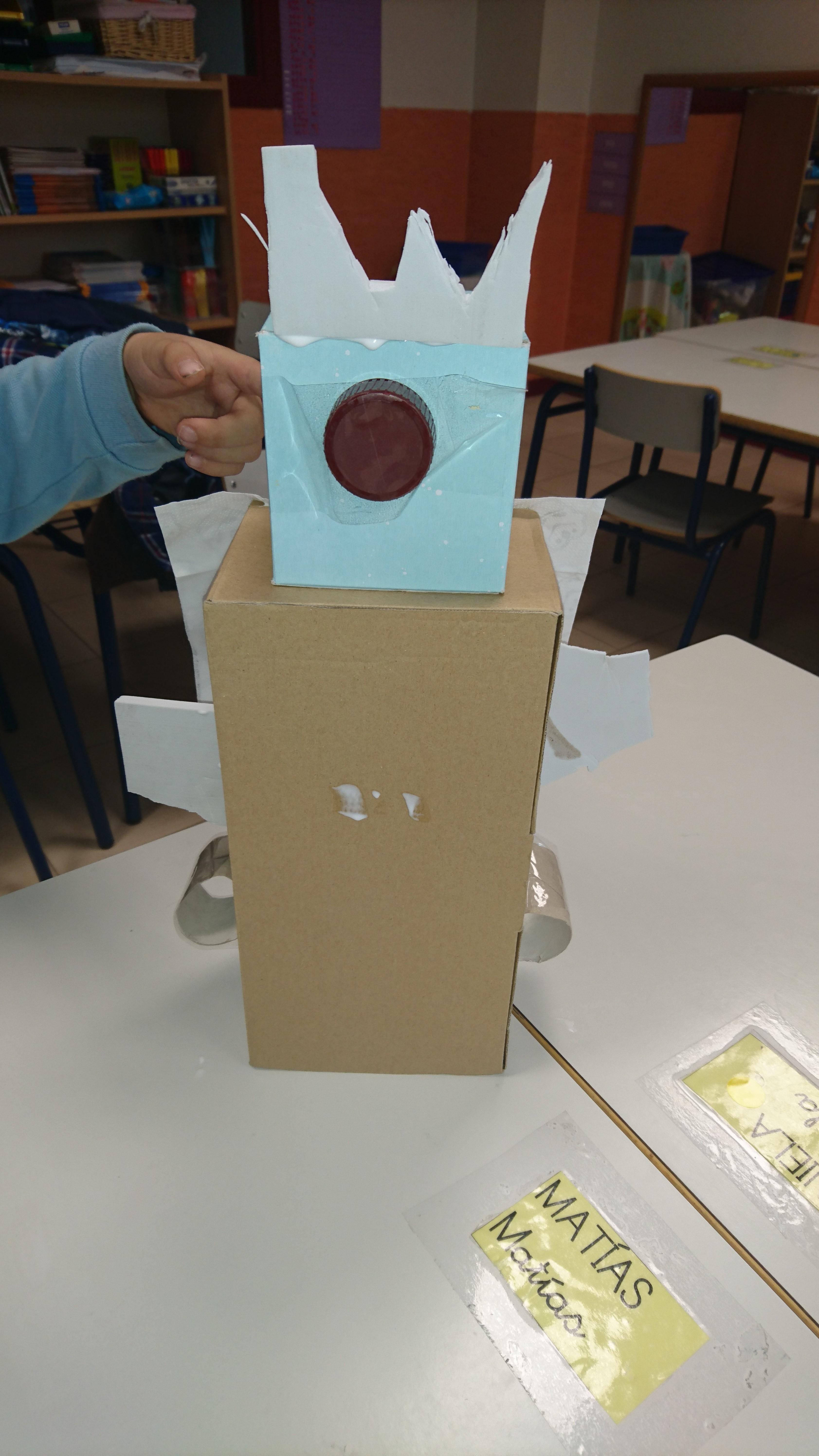 ¡Construcción de Recicla-Bots en Plácido Domingo!
