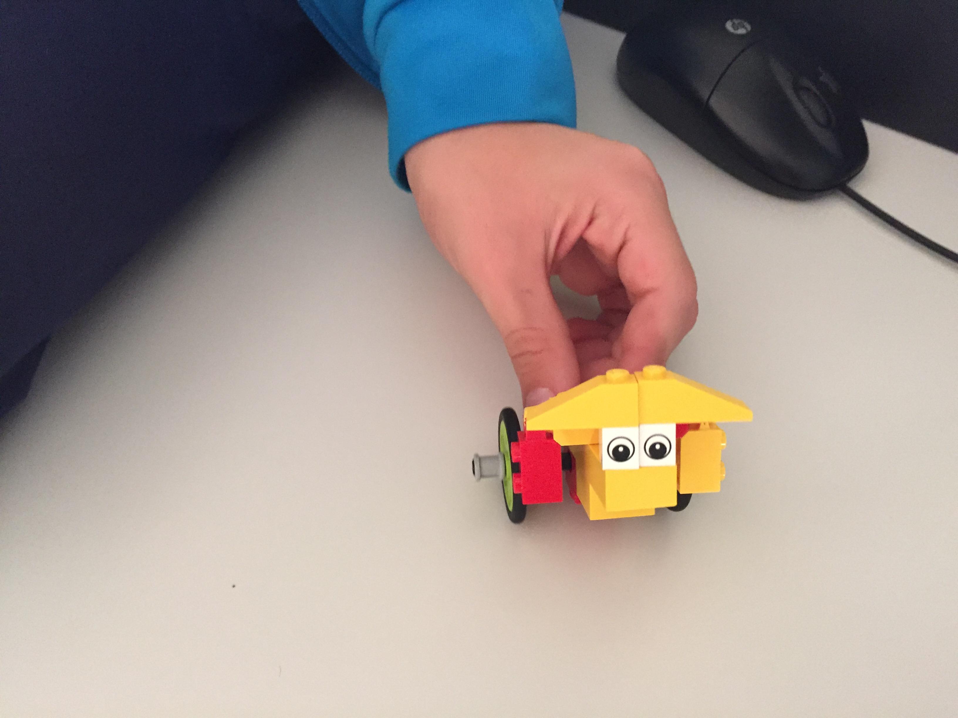 Contacto con kit de lego 3p-4p Isabel La Católica