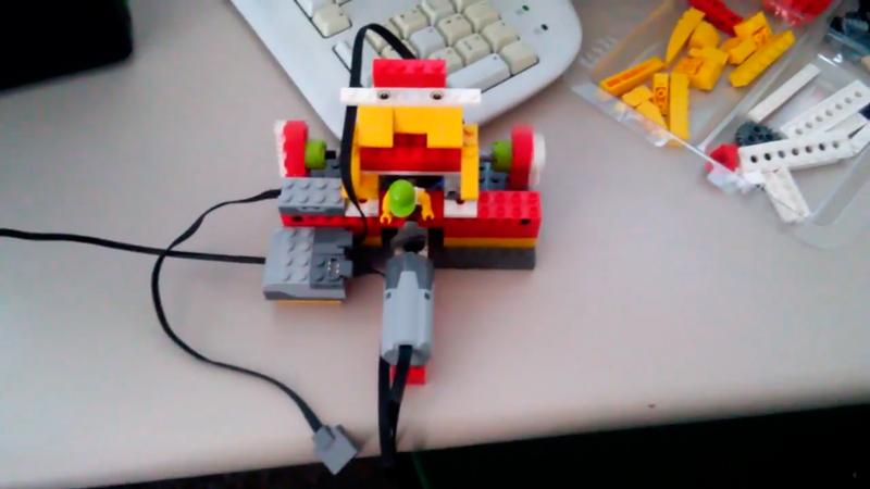Nuestro robot personalizado en María Auxiliadora