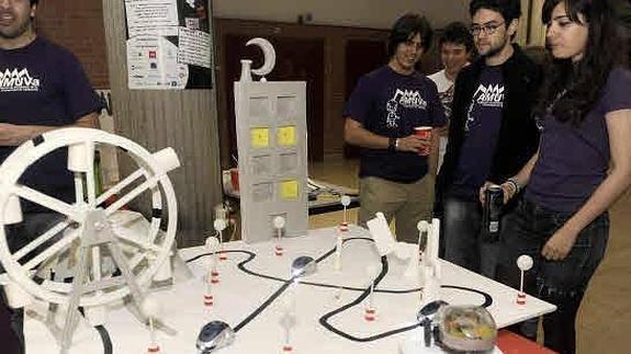 Robolid 2015 pone a prueba los robots diseñados por estudiantes y aficionados