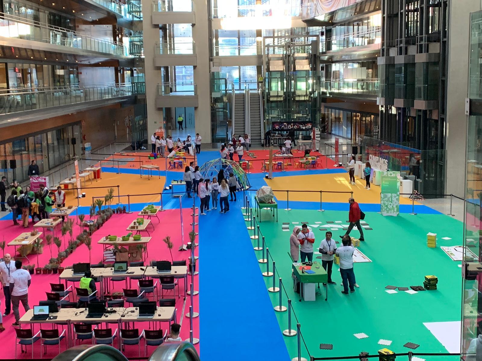 Family day de robótica educativa y programación en las oficinas de Endesa en Madrid